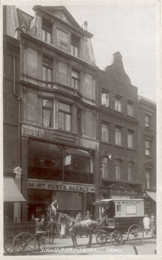 Photo:Mrs Hunt's Agency, 85-86 Marylebone High Street c1920