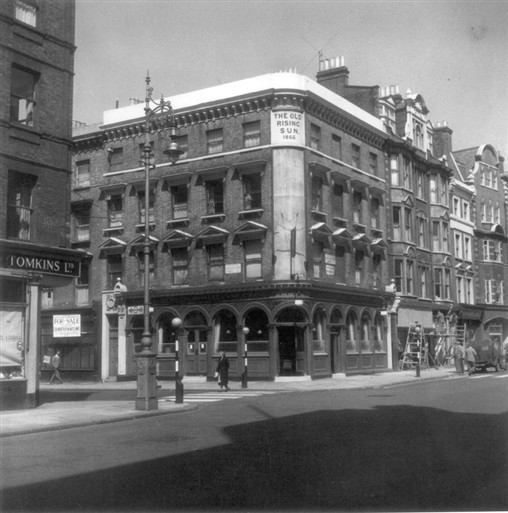 Photo:The Old Rising Sun Public House at the junction of Paddington Street and Marylebone High Street in 1956. Photograph by Mrs G M Ahern